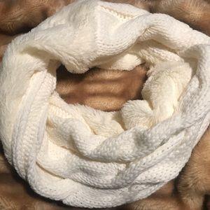 Soft & Knit Cream Scarf